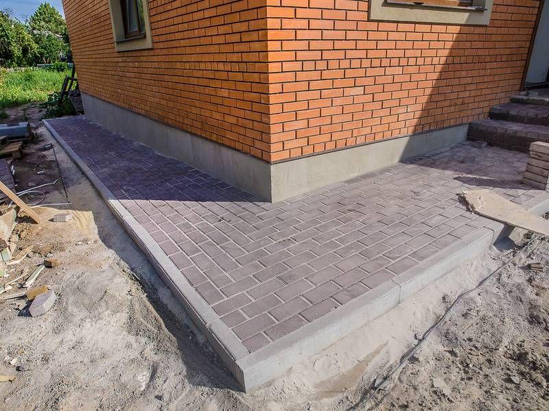 Укладка отмостки тротуарной плиткой своими руками