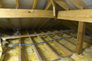утеплению потолка в частном доме