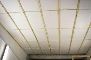 Можно ли делать утепление потолка пенопластом