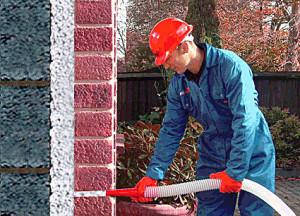 Плюсы и минусы утепления стен пеноизолом