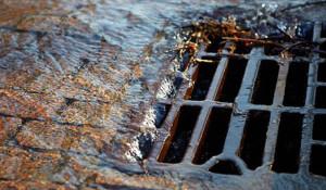 Самостоятельная прочистка ливневой канализации