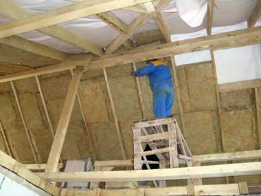 Самостоятельное утепление крыши деревянного дома изнутри (2)