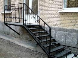 металлическая лестница для крыльца и ее варианты