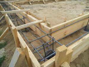 Как залить фундамент на песчаном грунте своими руками
