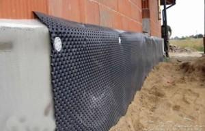 Монтаж гидроизоляционной мембраны для фундамента