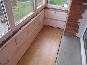 Как и чем лучше утеплить пол на балконе
