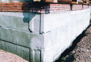 укрепить фундамент кирпичного дома своими руками