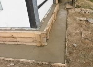 Как провести ремонт и укрепление фундамента старого деревянного дома
