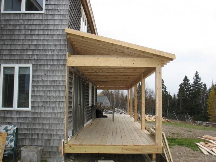 Пристраиваем деревянное крыльцо к дому своими руками