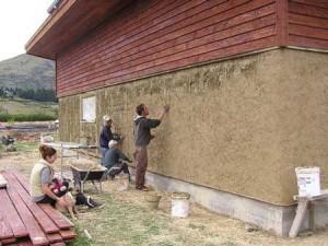 сделать утепление стен опилками