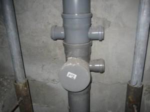 Как проводится замена стояка канализации в квартире